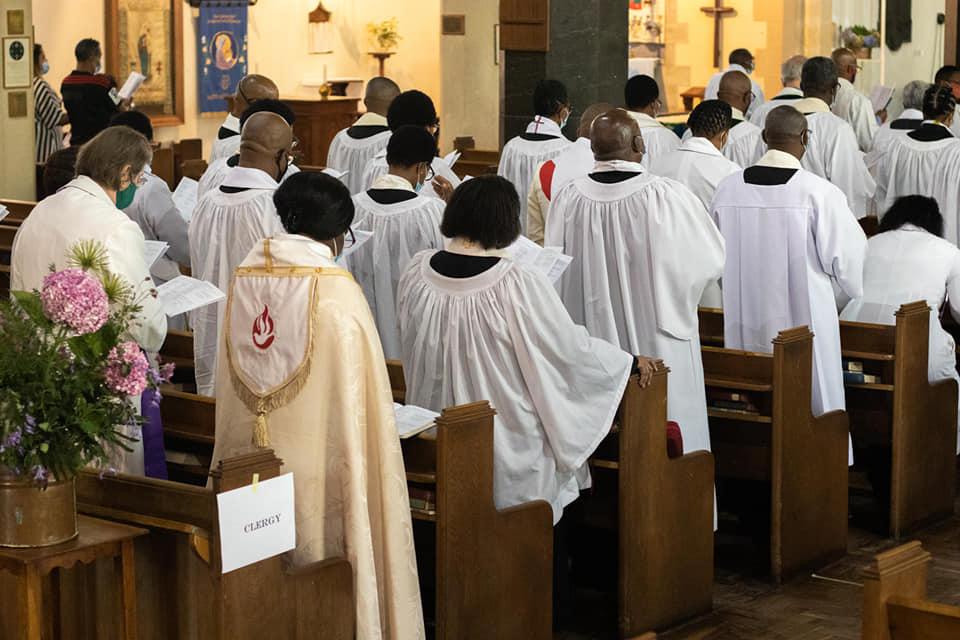 Clergycrowd